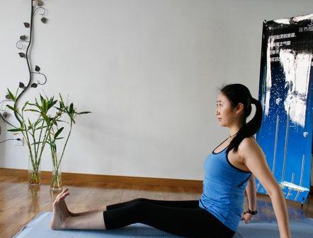 瘦腹瑜伽帮助你减掉小腹(照片)
