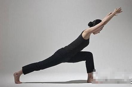 瘦腿瑜伽动作