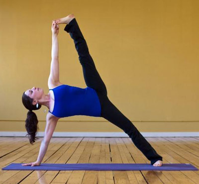 减肚子瑜伽动作