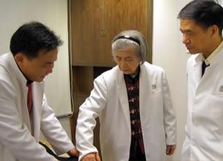 龙氏治脊疗法