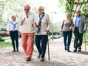 停经后女性多走路可防乳腺癌