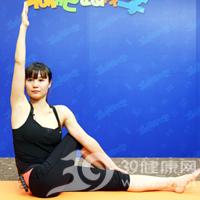 扭转式产后瘦腹瑜伽4