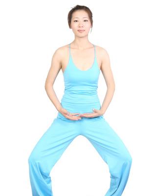 简单一套瑜伽动作 轻松瘦腰又瘦腿