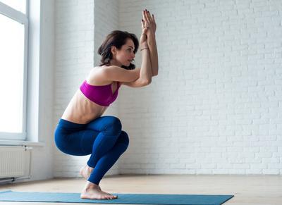 两种产后减肥瑜伽调整骨盆和臀部形状