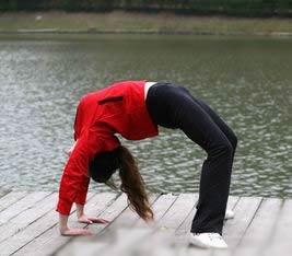 双向减肥瑜伽告别胖臀下垂(照片)