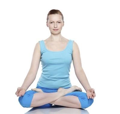 瘦腿瑜伽练习会让你的腿变得更细更长(图)