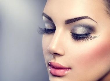 隐形眼线 让你的双眼更加精神