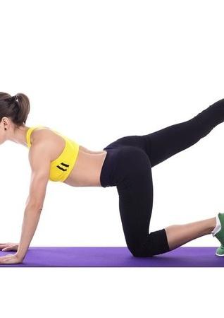 坐姿伸展式减肥瑜伽 坐着就瘦身 瑜伽减肥 第1张