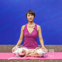 腰旋转式瘦腰瑜伽1