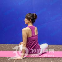 腰旋转式瘦腰瑜伽8