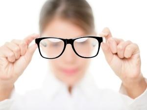 劣质太阳镜片戴久易产生头晕