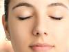 油脂型化妆品也容易诱发酒糟鼻