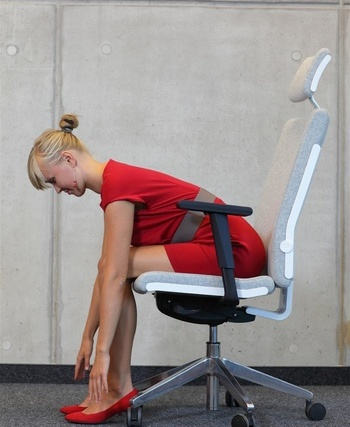 超简单白领减肥瑜伽坐着变瘦(照片)