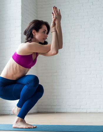 1招最简单有效的瘦腿瑜伽热量(图)_39健康网_减肥的黄瓜白领_减肥黄瓜图片