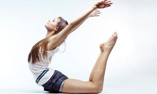 五向减肥瑜伽成为神奇的小腰部精华(照片)