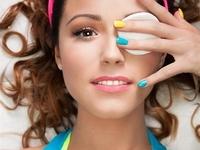 女性健康私密事第38期:美瞳很美 健康也要hold住