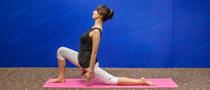 下期主题:新月式瘦腿瑜伽
