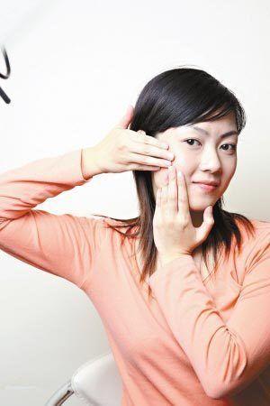 5分钟瘦脸瑜伽 快速打造小V脸(图)