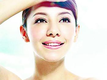 痘痘肌肤能擦防晒霜 少用磨砂型的角质霜