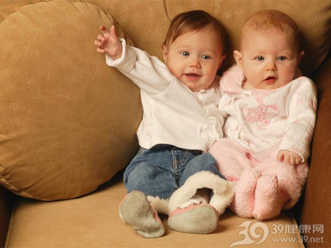 双胞胎.jpg
