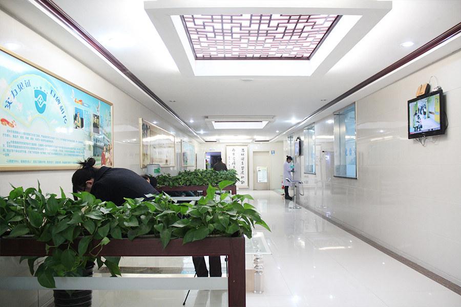 门诊大楼-候诊区.jpg