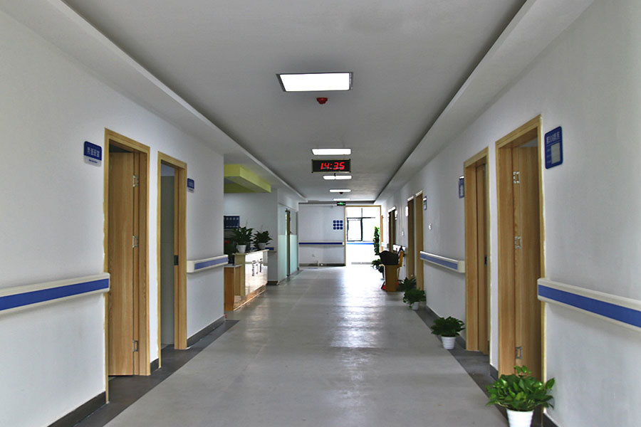 医院大楼-过道.jpg