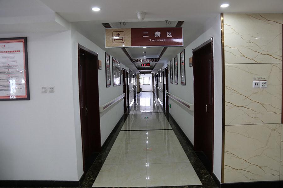 门诊大楼_医院走廊.jpg