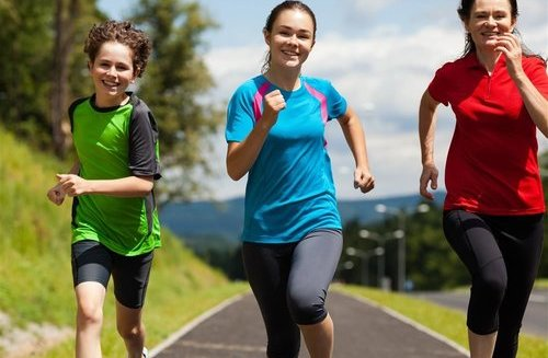 跑步_早上跑步好还是晚上跑步好跑步时间、跑步…