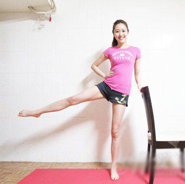 瘦成筷子腿(图)_39健康网_减肥新天颜塑身衣图片