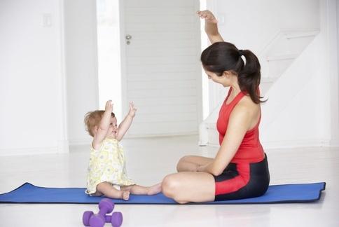 阿南塔變化式:消除大腿內側肥肉,強化腿筋。(示範:Sisii 養身瑜珈老師;攝影江旻駿)