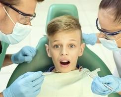 口腔入路腔镜甲状腺手术