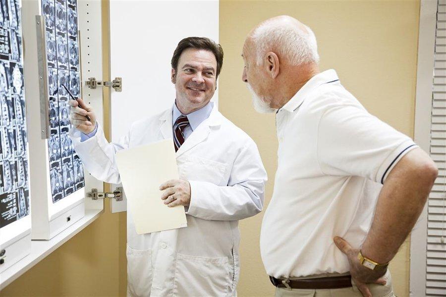 中国医师学会整形美容分会创始和筹建人之一王炜教授