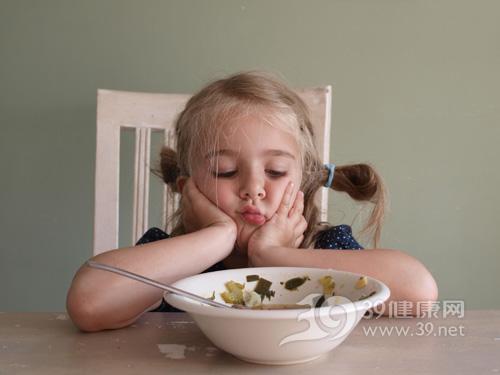 孩子-女-吃东西-禁食-绝食-不吃饭