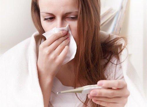 青年-女-生病-感冒-发烧-温度计_29643730_xxl