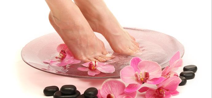 泡脚有什么好处,泡脚的好处,泡脚的功效与作用