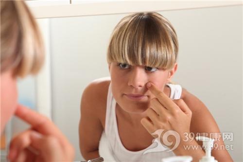 预防脸上长痘痘