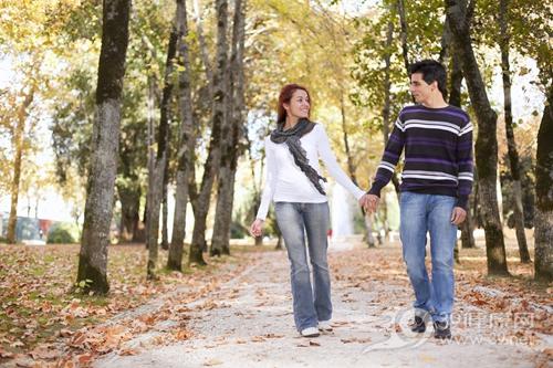 青年 男 女 爱情 情侣 甜蜜 户外_10029957_xxl