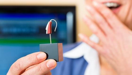 老人配助听器要及时 如何选购