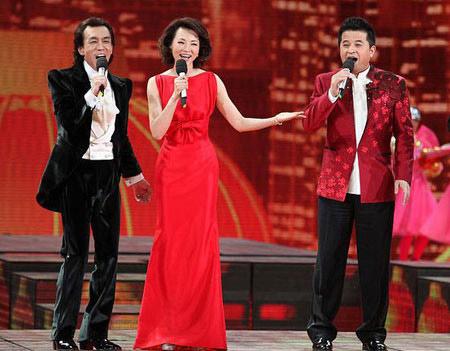 正文    2月3日报道,央视春晚剧组昨日公布了2015年羊年春晚的主持人