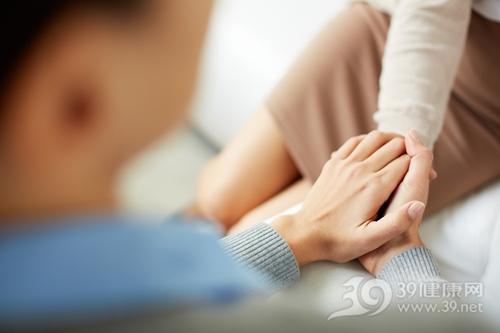 情侣握手-尖锐湿疣能治好吗