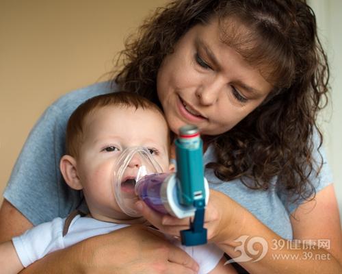 孩子 男 母亲 生病 氧气 呼吸 吸氧_ 32096896_xxl