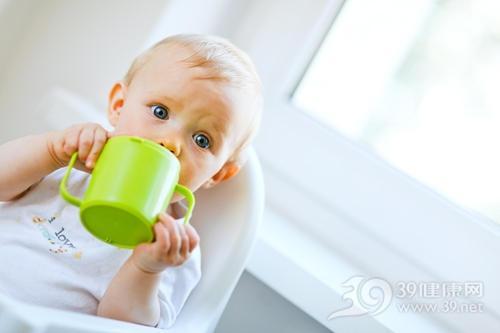 孩子 婴儿 男 喝水 喝东西 杯子 水杯_ 10716427_xxl