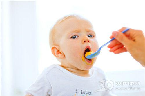 孩子 男 吃东西 辅食 喂食_10716356_xxl