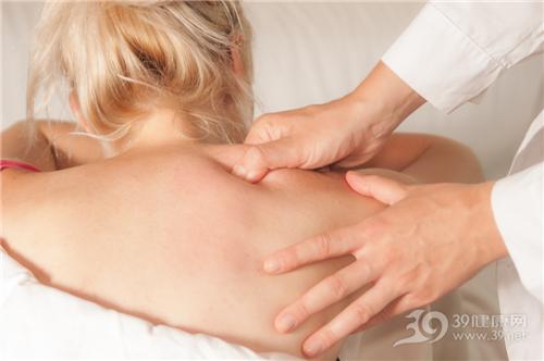 青年 女 肩痛 按摩 肩颈 治疗 医生_ 14124393_xl