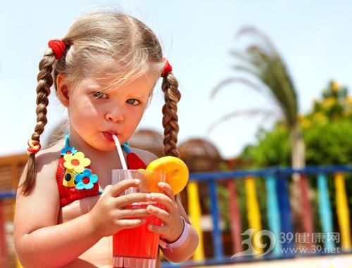 孩子 女 飲料 喝東西_8781514_xxl