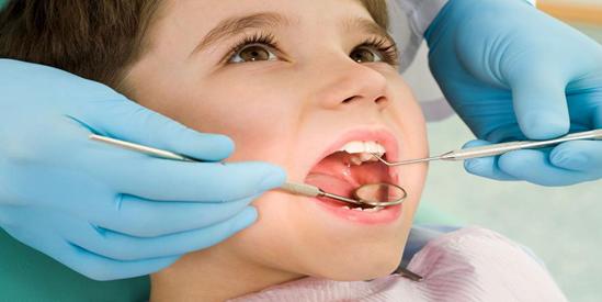 青苗儿童口腔:儿童矫正牙齿