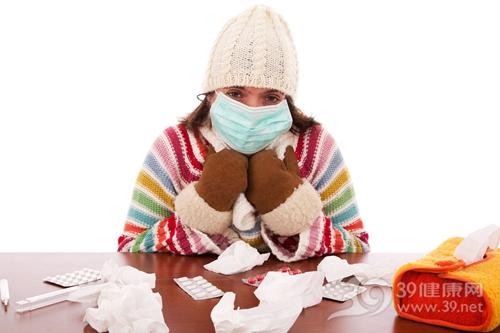 青年 女 生病 感冒 寒冷 冬天 口罩 毛衣 帽子 手套 药片 药物 纸巾_6333998_xxl