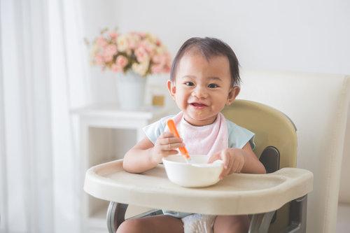 孩子 女 吃饭 牛奶 香蕉 辅食 吃东西_19093322_xxl