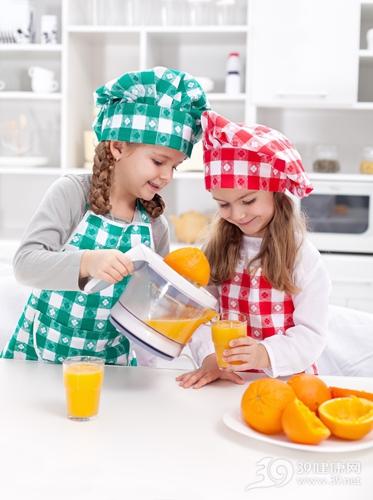 孩子 女 果汁 橙汁 橙子 榨汁_12505687_xxl
