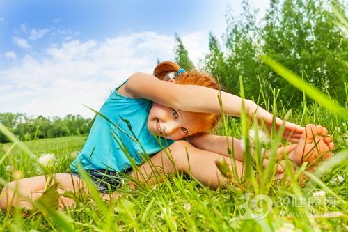 孩子 女 运动 热身 压腿 拉筋_30099856_xxl